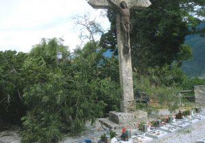 Akzienbaum Burg mit Kreuz